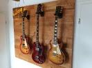 Gitarrenwand aus Kirsche